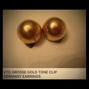 VTG GROSSE GOLD TONE CLIP & SIGNED